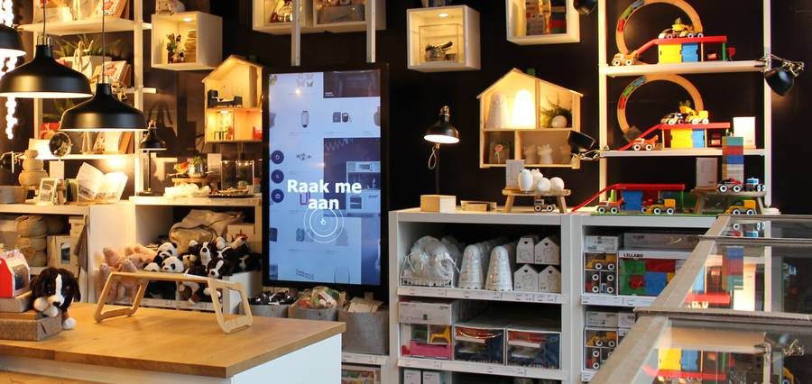 Fabrique digital transformation. Voorbeeld van schermen in de IKEA pop up store.